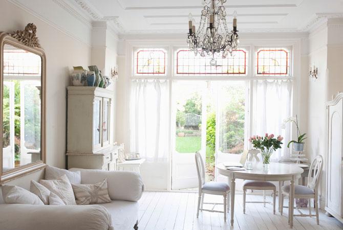 Amplie seus ambientes com 7 dicas de decorações para ambientes pequenos